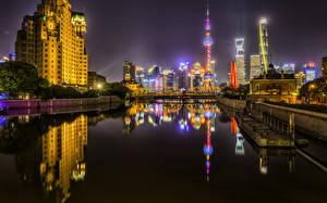 Фотография Шанхай Китай Дома Реки Мосты Причалы Ночь Лучи света город