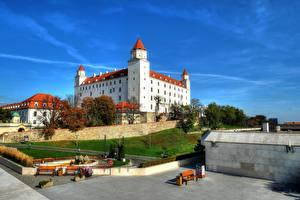 Картинки Словакия Осенние Небо Bratislava город