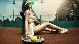 Фотография Теннис Красивая Сидящие Ног Мячик Kristina Fedorova, Vadim Aksyonov спортивные Девушки