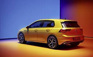 Фото Volkswagen Желтый Металлик Golf R-Line 2020 автомобиль