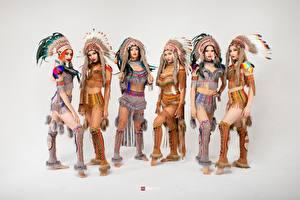 Картинка Индейский головной убор Индеец Красивый Серый фон Vitaly Rychkov Девушки