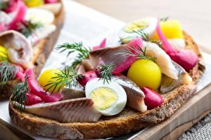 Фото Бутерброд Рыба Укроп Картошка Яйца Продукты питания