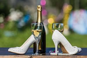Обои Шампанское Туфлях Бутылка Бокал Пища