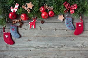 Картинки Новый год Яблоки Бадьян звезда аниса Доски Звездочки Носки Бантик Шаблон поздравительной открытки