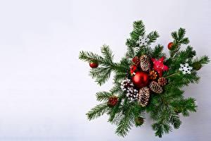 Картинки Рождество Ветка Шишки Шарики Снежинка Шаблон поздравительной открытки