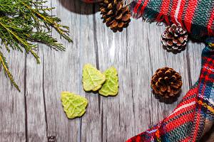 Картинки Печенье Доски Шишки Новогодняя ёлка Еда
