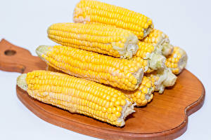 Картинка Кукуруза Крупным планом Разделочная доска Еда