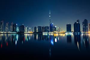Картинки Дубай Небоскребы Объединённые Арабские Эмираты Ночные