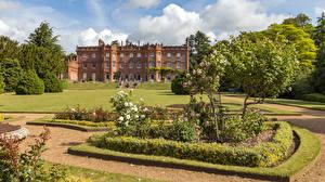 Фотография Англия Сады Дома Дизайна Газоне Кусты Деревья Hughenden Manor gardens Природа