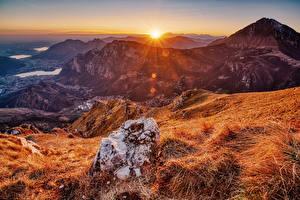 Обои для рабочего стола Франция Горы Осенние Рассветы и закаты Камни Солнца Pyrenees Природа