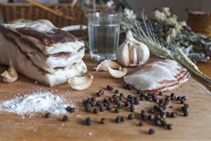 Фотографии Чеснок Перец чёрный Солью Сало Продукты питания