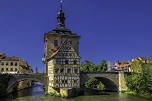 Обои Германия Здания Река Мост Бавария Bamberg Old Town Hall Города