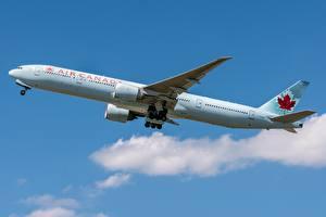 Обои Пассажирские Самолеты Boeing Сбоку Air Canada, 777-300ER Авиация картинки
