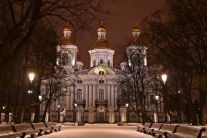 Картинки Санкт-Петербург Россия Зима Собор Ночные Скамейка Снега Дерева St. Nicholas Naval Cathedral