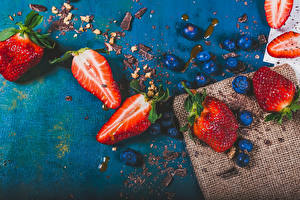 Обои Клубника Черника Шоколад Продукты питания