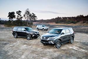 Фотографии Тойота SUV Трое 3 Металлик 2015-19 Fortuner Автомобили