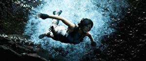 Обои для рабочего стола Подводный мир Tomb Raider Лара Крофт Плывет Shadow of the Tomb Raider Игры 3D_Графика Девушки