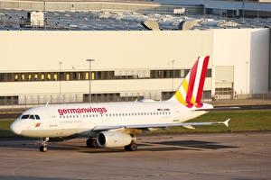 Картинка Airbus Самолеты Пассажирские Самолеты Germanwings A319 Авиация