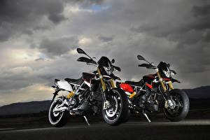 Фото Aprilia Две 2012-19 Dorsoduro 1200 ATC ABS Мотоциклы