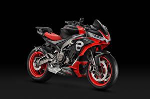 Картинка Aprilia Сером фоне 2019 Tuono 660 Concept мотоцикл