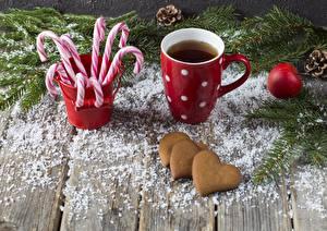 Картинка Рождество Печенье Леденцы Кружка Сердце Доски Еда