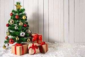Фотография Новый год Подарки Коробка Елка Шарики