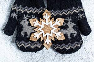 Фото Рождество 2 Снежинка Рукавицах