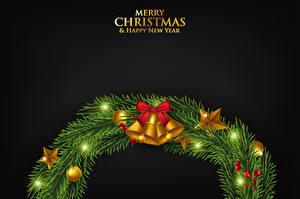 Обои Рождество Векторная графика Черный фон Ветки Колокольчики Бант Звездочки Шар Венком