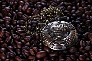 Фотографии Часы Карманные часы Кофе Зерна Советский союз Серп и молот