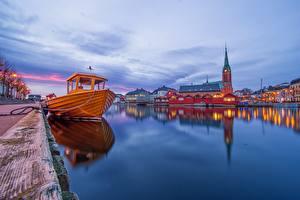 Обои для рабочего стола Вечер Причалы Церковь Норвегия Катера Arendal Города