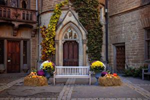 Обои для рабочего стола Германия Замки Дверь Дизайна Скамья Hohenzollern castle город