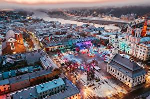 Картинки Дома Новый год Литва Каунас Сверху Городская площадь Елка