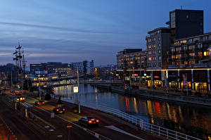 Обои Нидерланды Дома Мост Дороги Вечер Водный канал Alkmaar