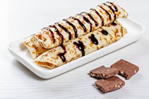 Фотографии Блины Шоколад Трое 3 Еда