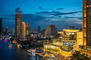 Фотография Речка Вечер Дома Небоскребы Бангкок Таиланд Chao Phraya River Города