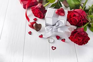 Фотография День всех влюблённых Розы Конфеты Доски Сердце Бантик Ювелирное кольцо