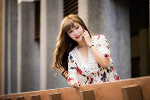 Картинки Азиатка Боке Платья Волос Шатенки молодая женщина