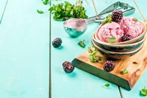 Картинки Ягоды Мороженое Ежевика Доски Миска Продукты питания