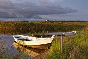 Фотография Лодки Река Трава Природа