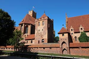 Картинки Замки Польша Malbork Castle Города