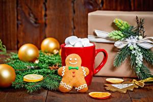 Фото Новый год Печенье Доски Кружка Маршмэллоу Шарики Ветки Подарки Еда