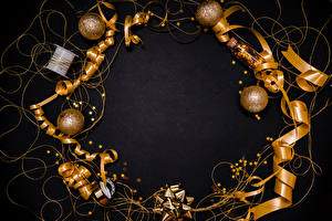 Фото Новый год Серый фон Шарики Лента Звездочки Золотой Шаблон поздравительной открытки