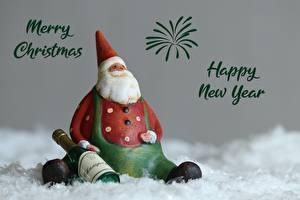Обои Новый год Игрушки Шампанское Дед Мороз Английский Сидит Бутылка