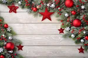 Обои для рабочего стола Рождество Доски Ветвь Шар Звездочки Шаблон поздравительной открытки