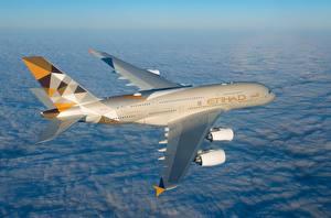 Обои Пассажирские Самолеты Эйрбас Летят A380-800, Etihad Airways Авиация