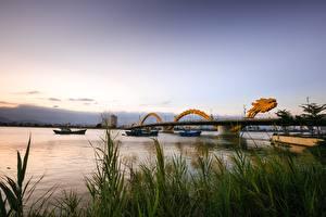 Картинка Реки Мосты Речные суда Дракон Вьетнам Траве Dragon Bridge, Danang Города