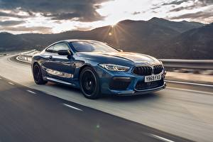 Фото BMW Движение Синяя Металлик Купе Competition, UK-Spec, 2019, M8, F92 машины