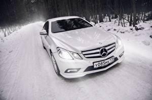 Фотографии БМВ Mercedes-Benz Белый Купе e-class c207 amg авто