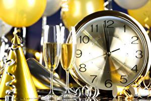 Картинка Новый год Часы Игристое вино Бокалы Еда