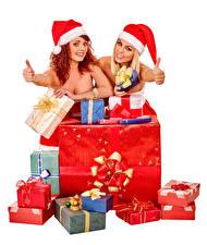 Фотография Рождество Пальцы Белом фоне 2 Шапка Улыбается Подарок девушка